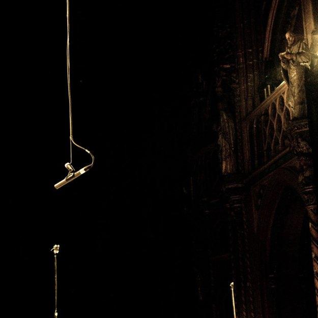 concert requiem Mozart Saint-Jacques Liège - micro et statue