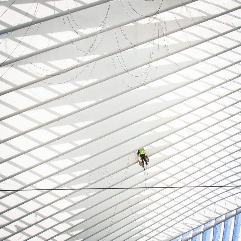 Spiderman reboot : Cache-cache à Liège-Guillemins  (Photo : Gilderic)