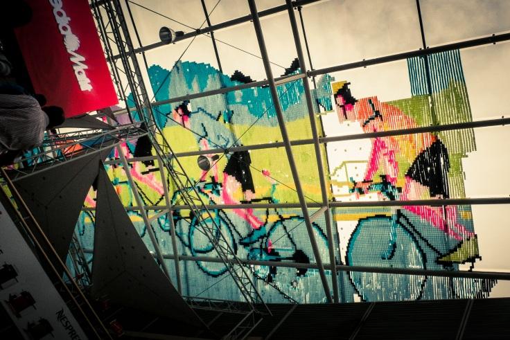 Vélos en Post-it (Galerie Saint-Lambert, Liège) - Photo : Gilderic