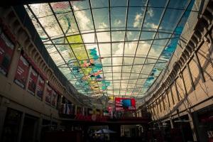 Plus grande Fresque Post-It du monde - Galeries Saint-Lambert, Liège - Photo : Gilderic