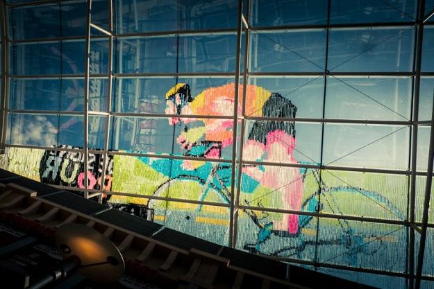 Fresque Post-It Tour de France (détail) -  Galerie Saint-Lambert, Liège - Photo : Gilderic