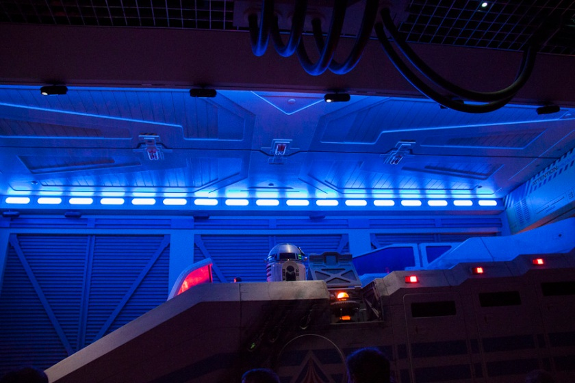 R2D2 (Star Tours, Disneyland Paris) - Photo : Gilderic