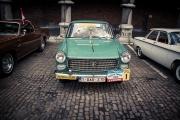 Rallye BD à Liège : voiture de collection (Peugeot) dans la cour du Palais des Princes Eveques - Photo : Gilderic