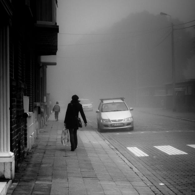 Rentrée dans la brume (Ecole de Péville) - Photo : Gilderic