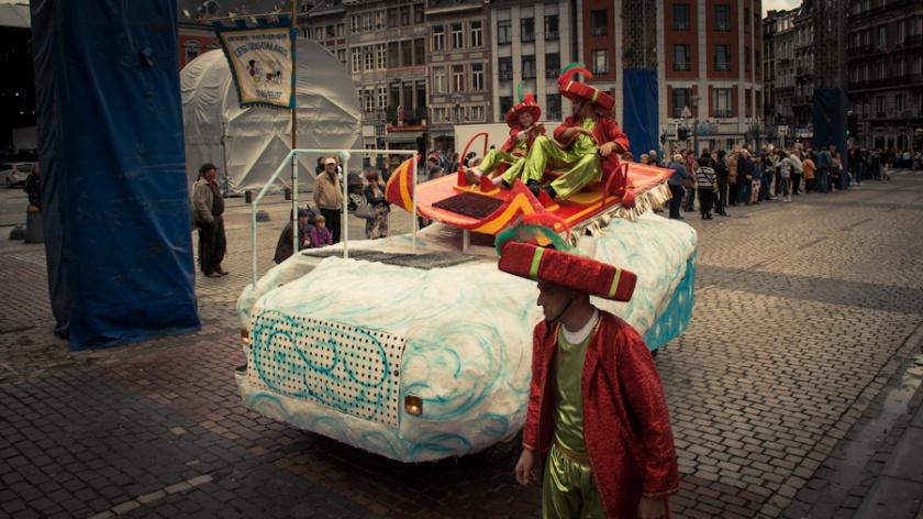 Aladdin et son tapis volant (Fêtes de Wallonie, Liège) - Photo : Gilderic