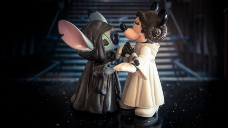 Toys Disney Star Wars : Minnie Leia et Stitch Emperor Palpatine - Photo : Gilderic
