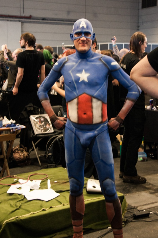 FACTS 2012 : Captain America body painting - Photo : Gilderic