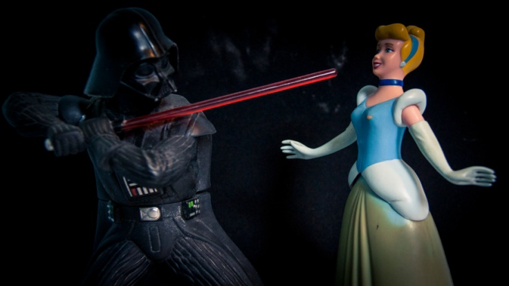 Disney Star Wars : Dark Vador & Cinderella - Photo : Gilderic