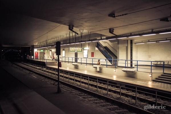 Solitude souterraine (dans la station de métro Albert, à Bruxelles)