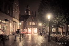 Lovers in the Rain (Bruges) - Photo : Gilderic