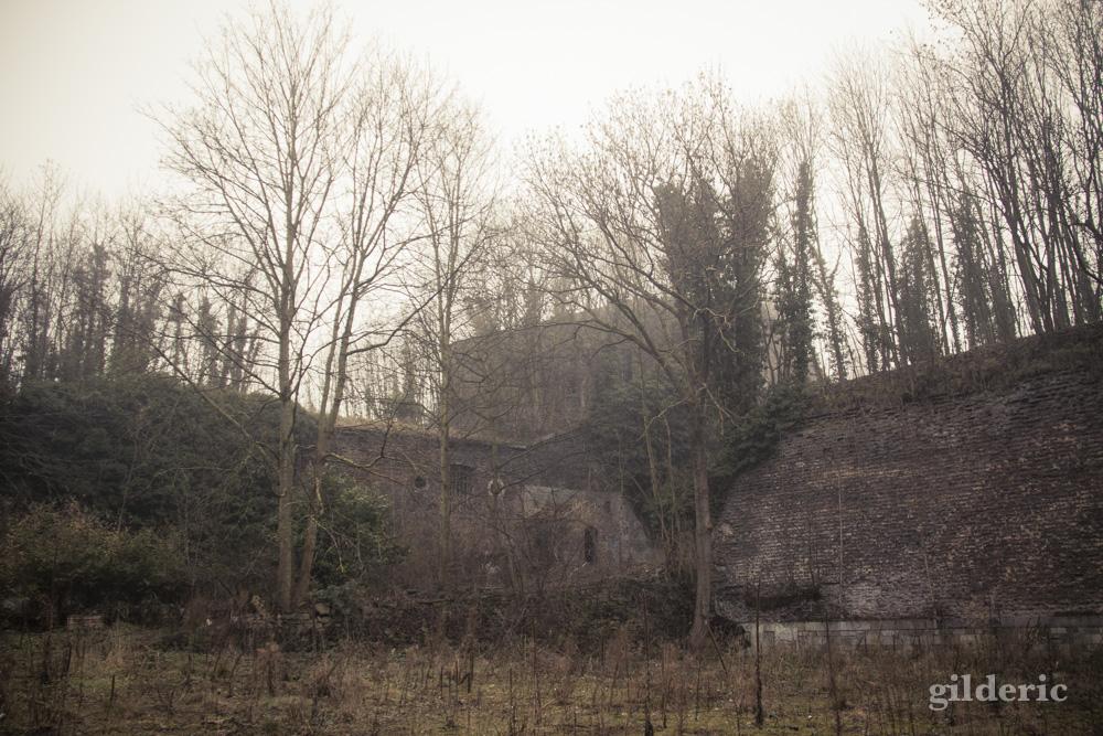 Fort de la chartreuse, Liège, dans la brume - Photo : Gilderic