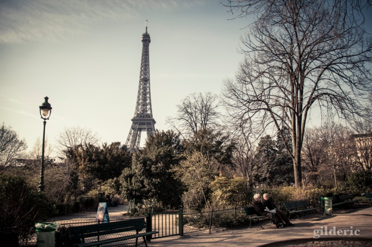 Printemps à Paris : Champs de Mars et Tour EIffel - Photo : Gilderic