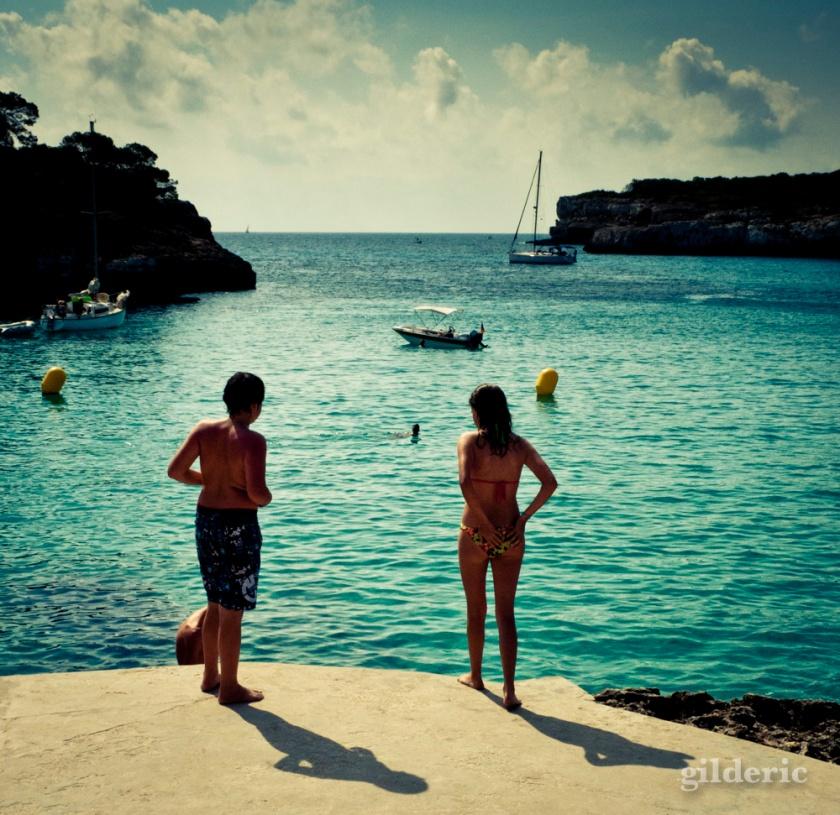 Enfants à la plage (Majorque) - Photo : Gilderic