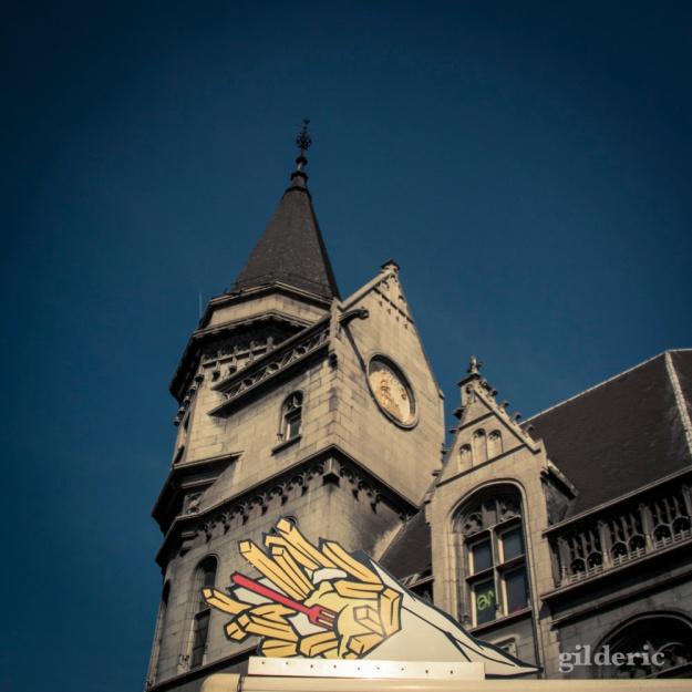 Frites et Grand Poste (Liège) - Photo : Gilderic