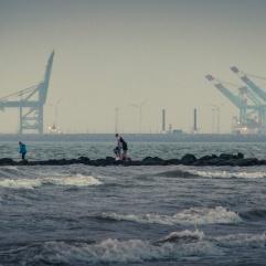 Contre les vagues (Blankenberge) - Photo : Gilderic