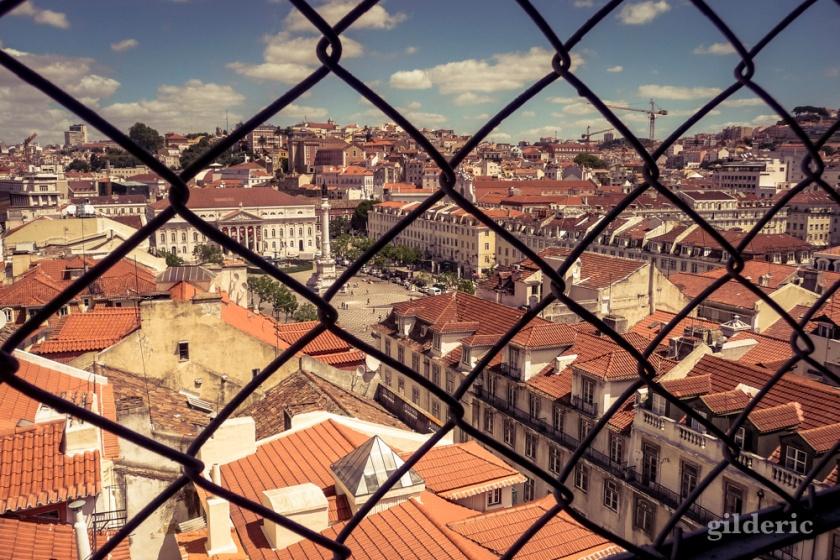 Lisbonne derrière la grille - Photo : Gilderic
