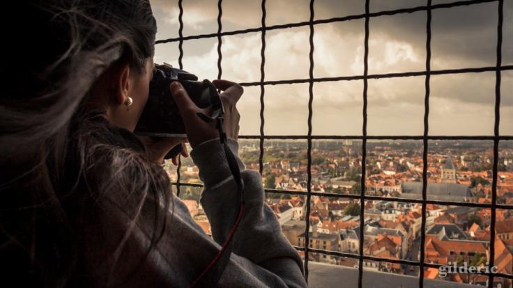 La Photographe à la perle (Beffroi de Bruges) - Photo : Gilderic