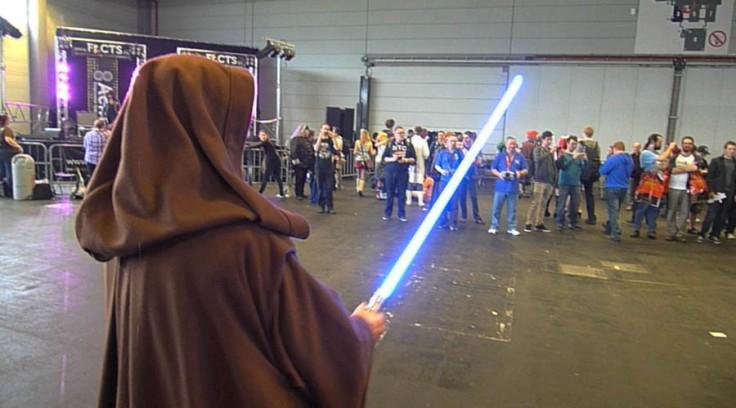 Jedi lançant le départ d'une course de droïdes (FACTS 2012)