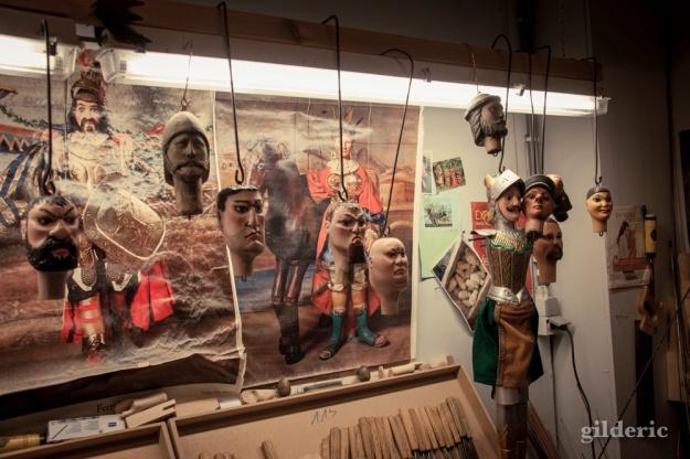 L'atelier du sculpteur de marionnettes