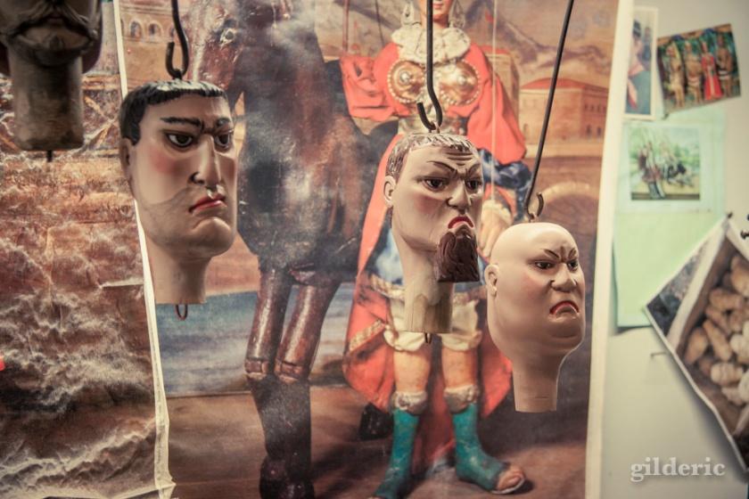 Têtes de marionnettes liégeoises