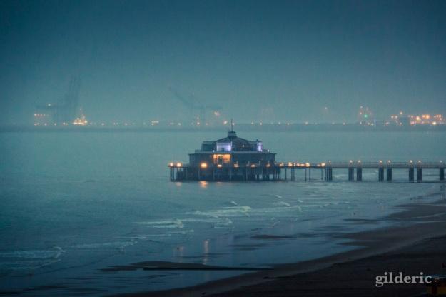Il pleut à la mer et sur le Pier... (Blankenberge) - Photo : Gilderic