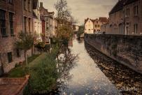 Les canaux de Bruges en automne