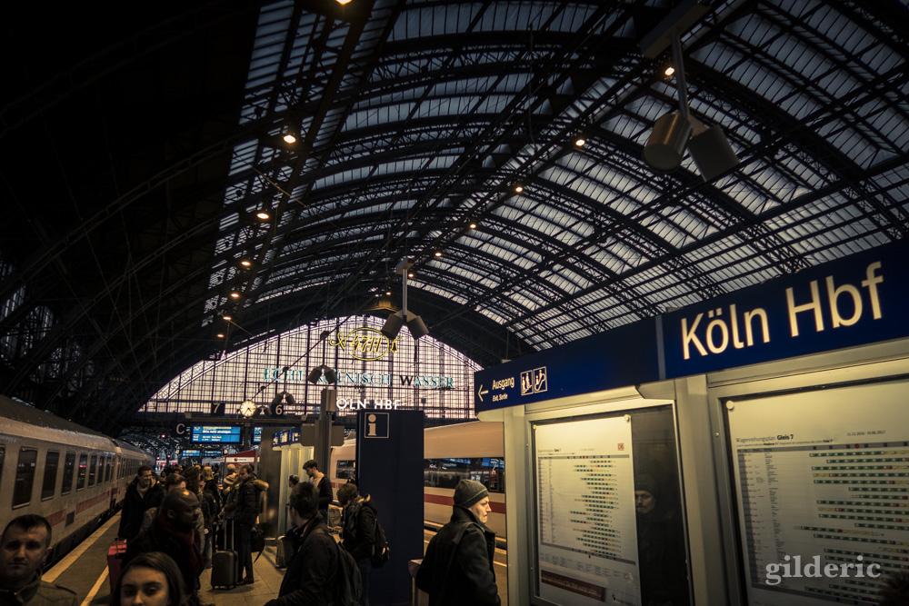 La gare de Cologne (Köln Hbf) et sa voûte métallique