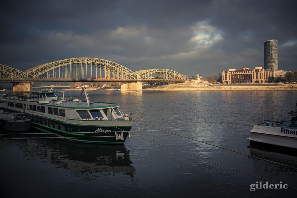 Balade au bord du Rhin à Cologne