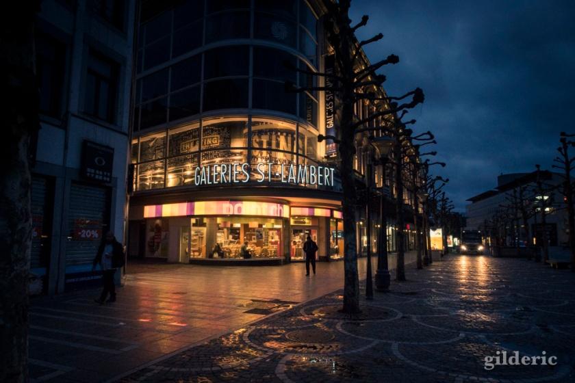 La Place Saint-Lambert dans la nuit
