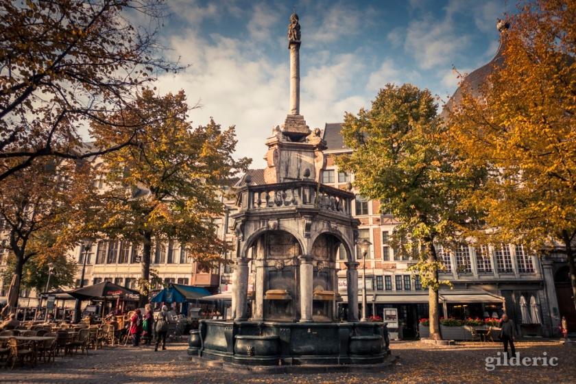 Le Perron de Liège en Automne