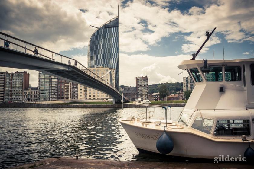 La navette fluviale et la Belle Liégeoise