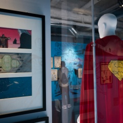 "Dessins et costume du film ""Superman"""
