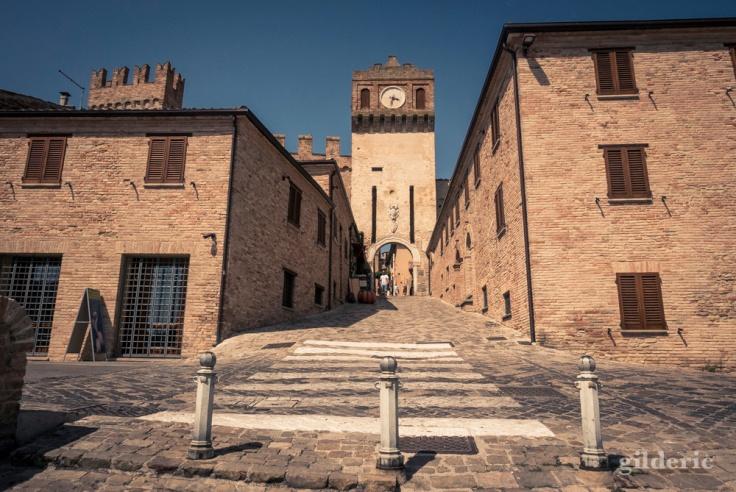 L'entrée du village fortifié de Gradara
