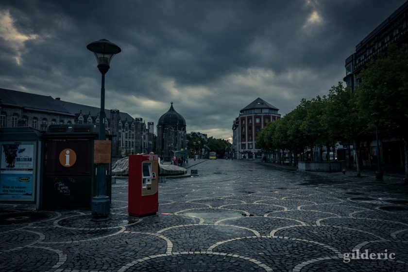 Dark Summer : Place Saint-Lambert, Liège