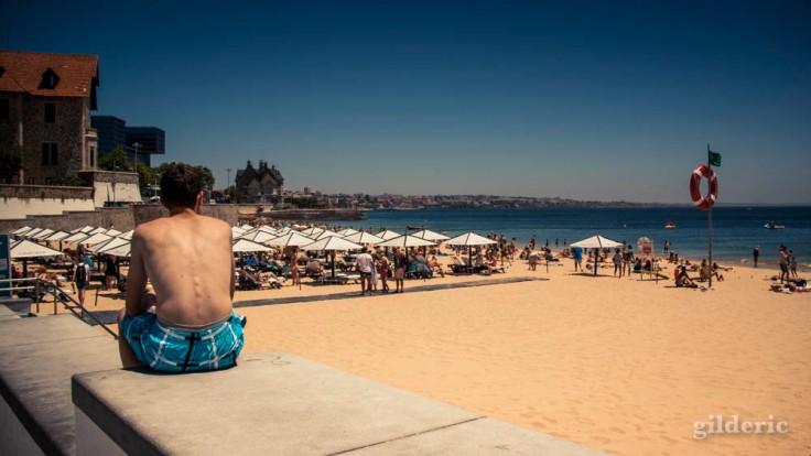L'ado timide (plage de Cascaïs, Portugal)