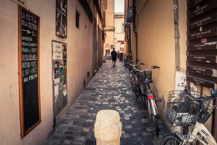 Ruelle à Rimini (centre historique)