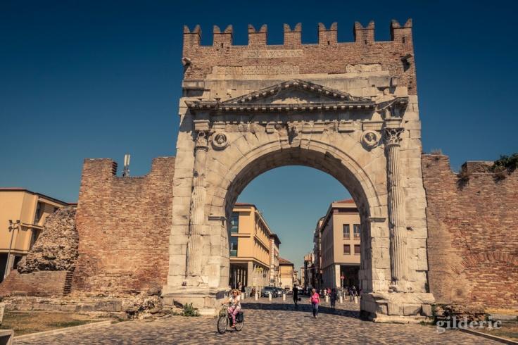 L'Arc d'Auguste, vestige romain à Rimini