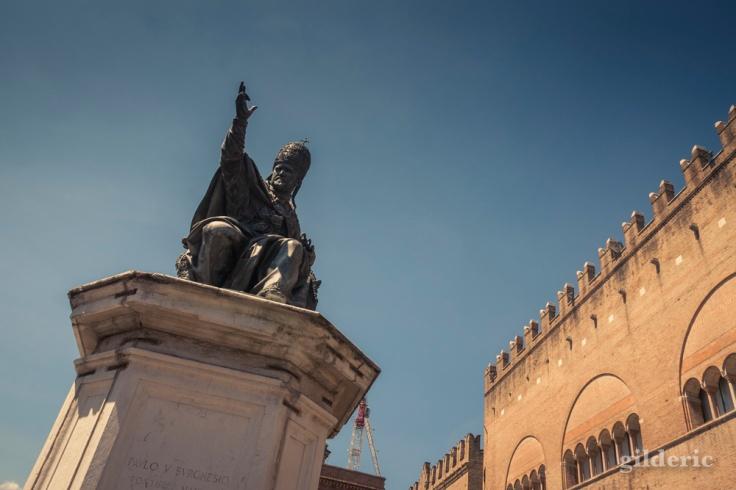 Statue du pape Paul V - Piazza Cavour à Rimini