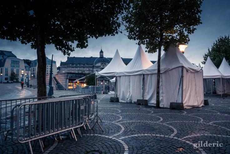 Préparatifs des Fêtes de Wallonie Place Saint-Lambert, Liège