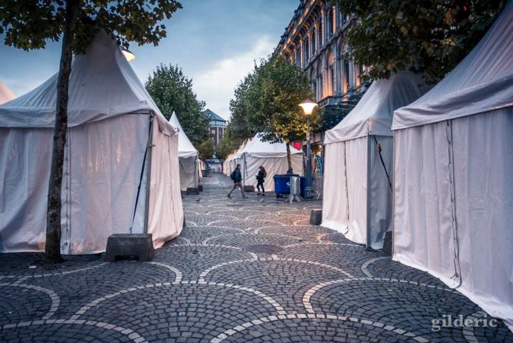 Place Saint-Lambert, préparatifs avant la fête