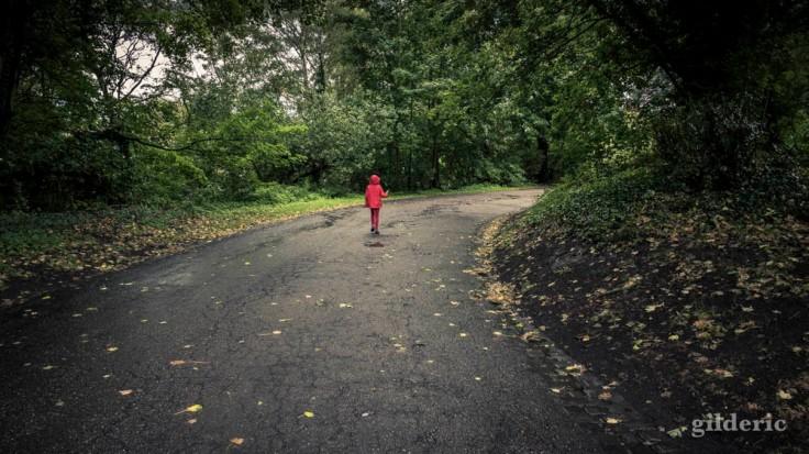 Enfant perdu sur le chemin