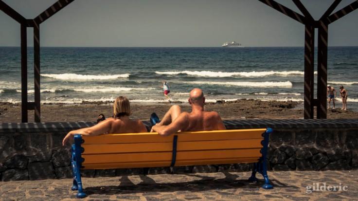 Couple et homme trébuchant (Tenerife)