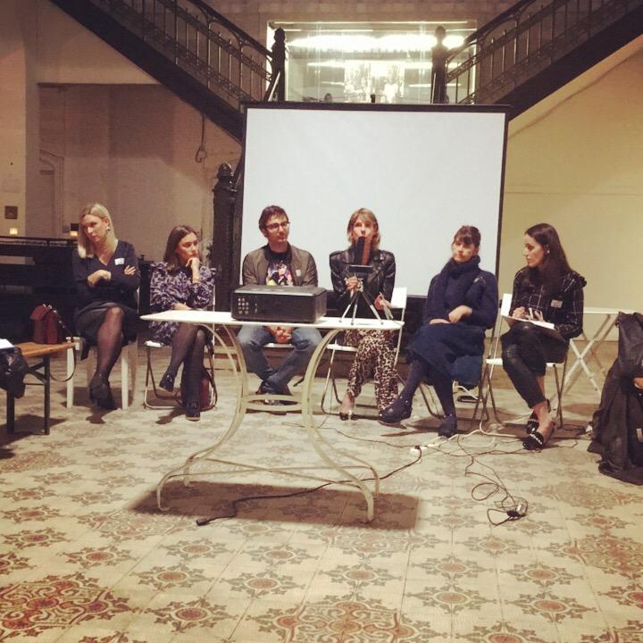 Créateurs et influenceurs lors du débat du Café Numérique