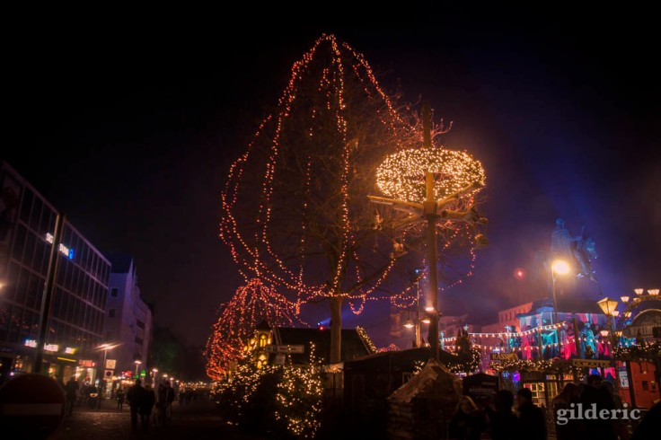 L'arbre de lumière (Marché de Noël de Cologne)