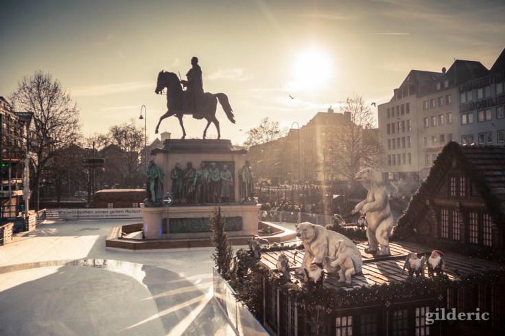 Lumière d'hiver sur le Marché de Noël à Cologne