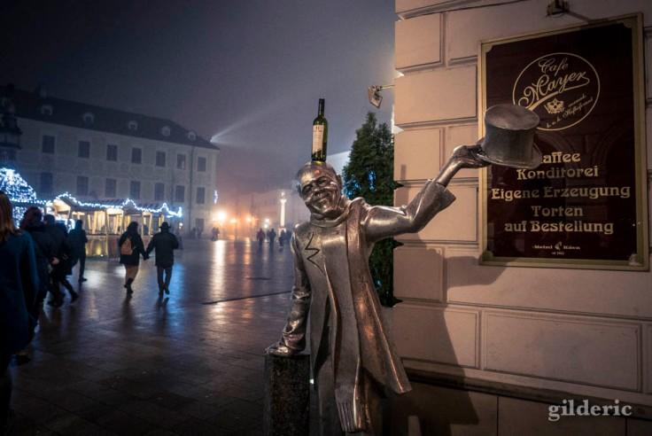 Statue à la grand-place de Bratislava