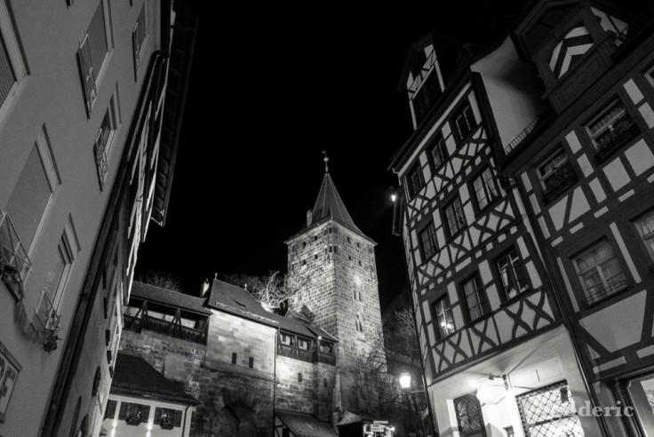 Le château de Nuremberg (de nuit)