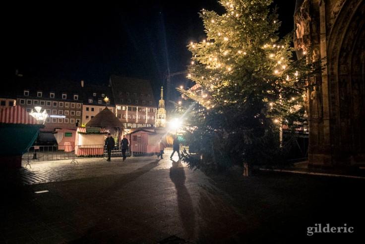 Lumières sur la Place du Marché de Nuremberg