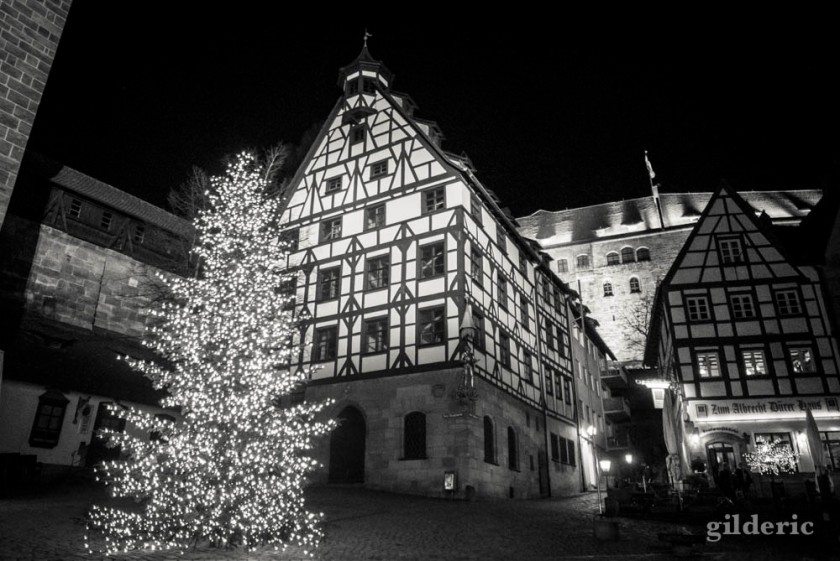 Vieille ville de Nuremberg (de nuit)