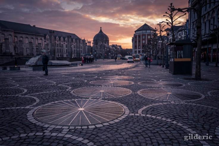 Fantastique lumière du matin sur la place Saint-Lambert